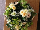 Green and cream textured posy
